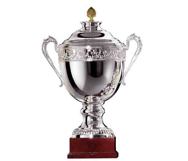 SILVER CUP FG114<br/>Varnished wooden base